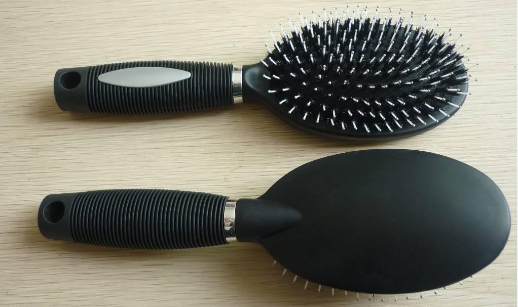 Oval boar hair brush