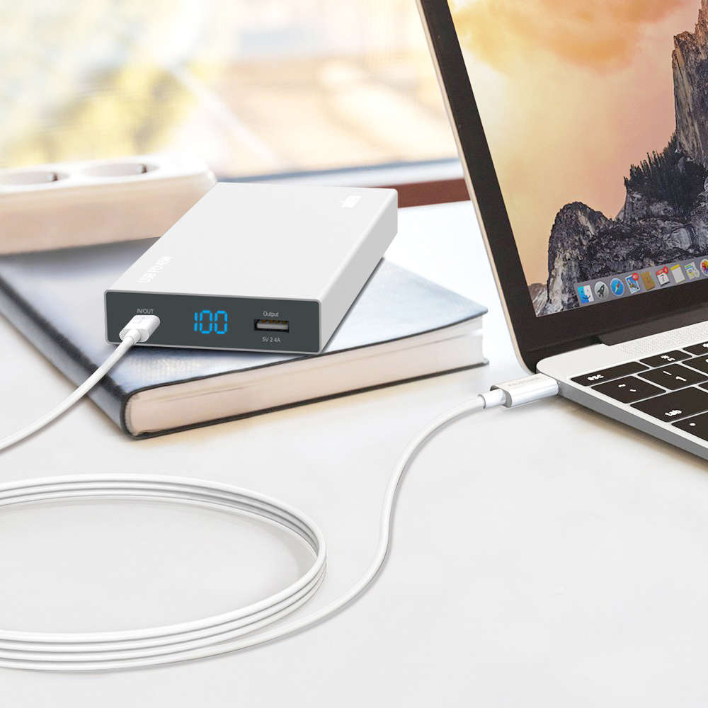fast charging 10000mah TYPE-C PD power bank for Macbook and smartphone