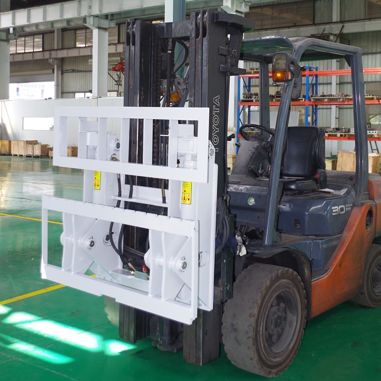 Material handling equipment for forklift trucks