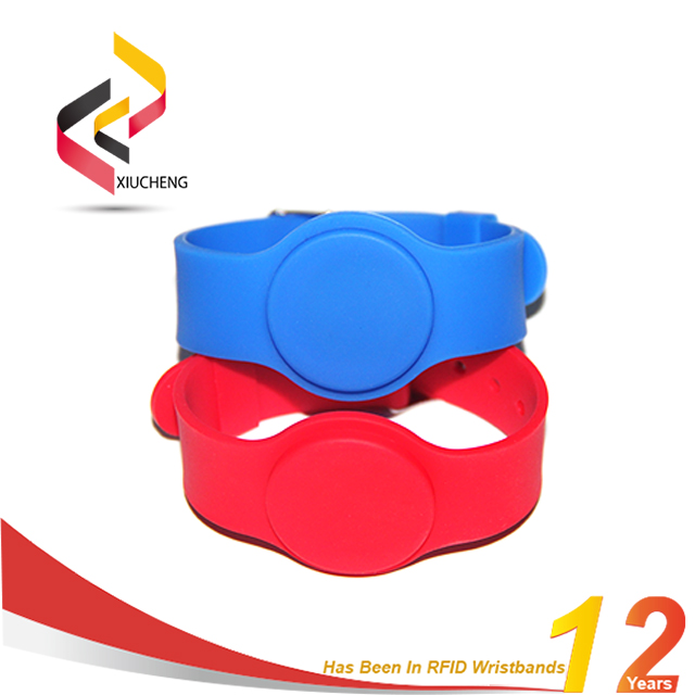 China Factory Silicone Passive RFID Wristband