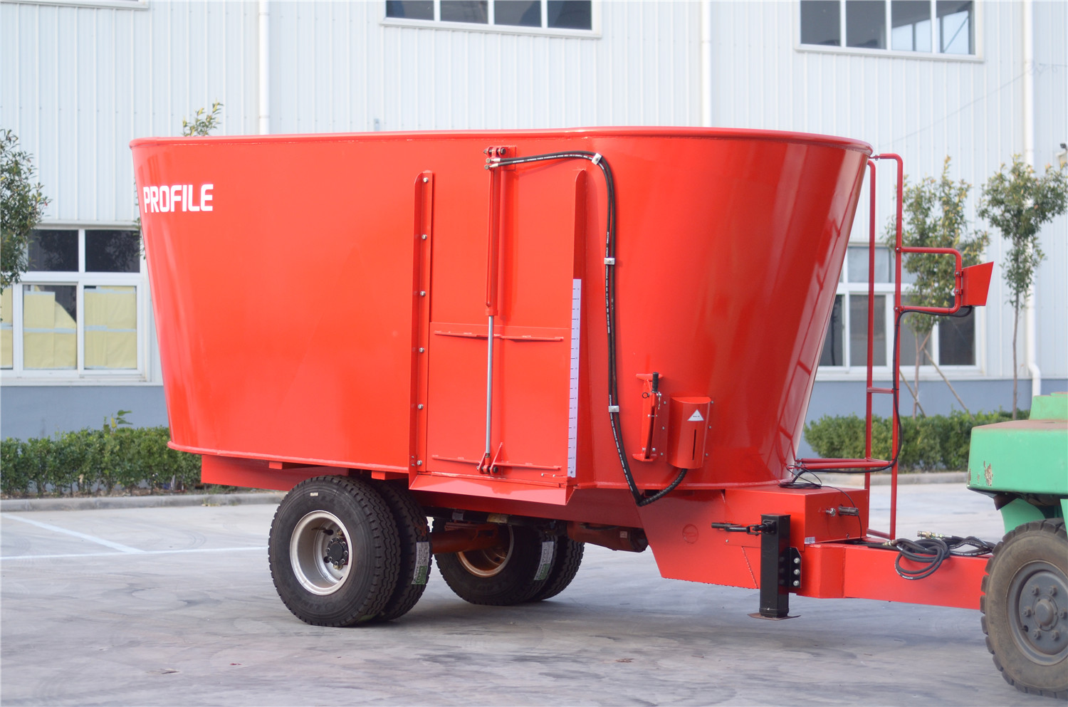 16m³ Vertical tmr feed mixer trailed type for cattle feeding