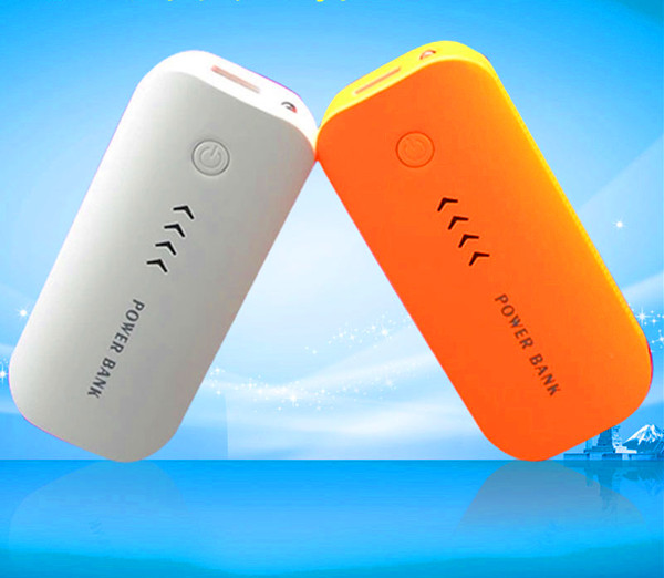 2017 gift items 5600mah power bank with led light