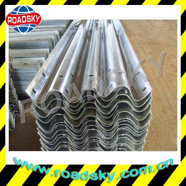 Road Safety Hot Dip Galvanized Steel Thrie Beam Guard Rail