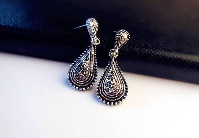 Anti-Silver crystal earrings