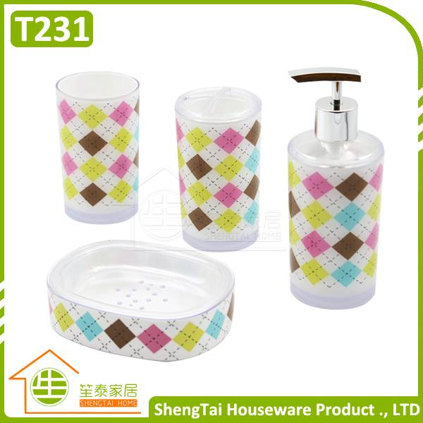 Hot Sale Fashion 4 Pieces Rhombus Pattern Bathroom Products Accessories Sets