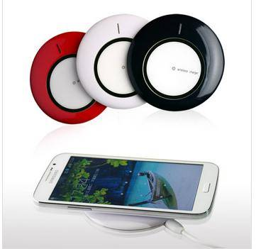 2015 Fashion High Quality Qi Wireless Charger