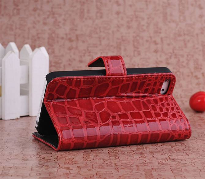 Crocodile Pattern Protective Flip-open PU Case with Holder for iPhone 5G/5S Red USD2.40/pcs