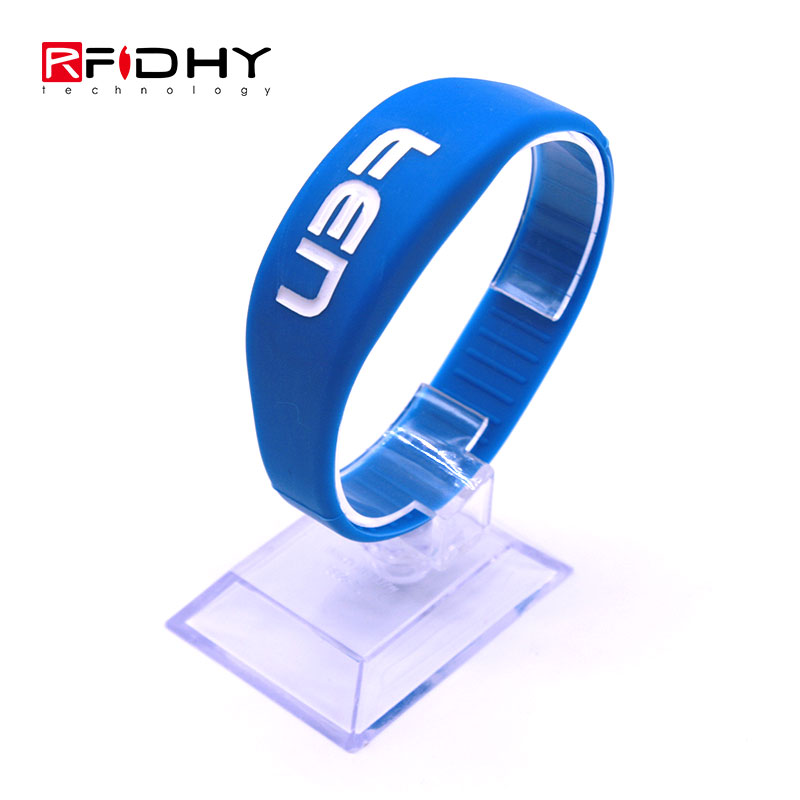 Debossed Fulling Oil Waterproof RFID Silicone Wristband