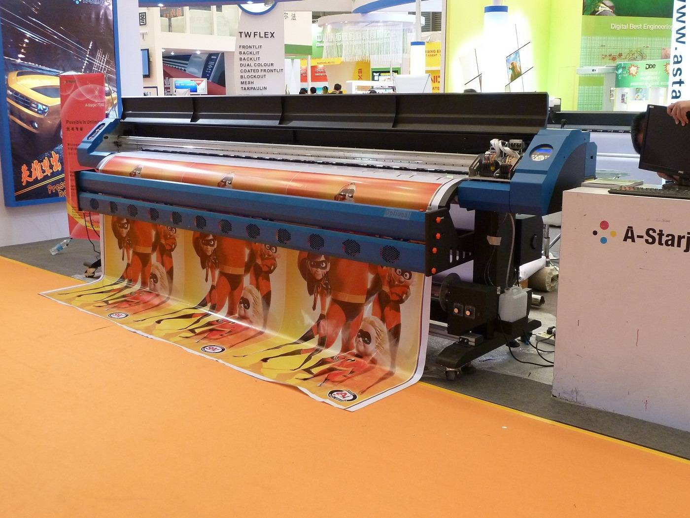 3.2M Eco Solvent printer in Bulk Ink System with 2 DX7 for printing flex banner