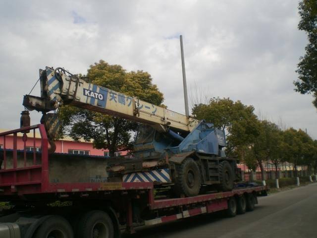 Used Rough terrain crane kato kr250