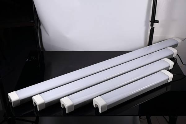 Led Linear triproof ceiling light IP66 IK09 2ft 4ft 5ft for Supermarket