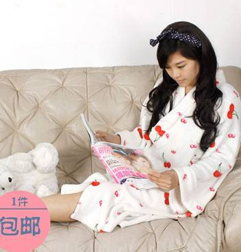 Ladies Cherry Print Coral Fleece Robe
