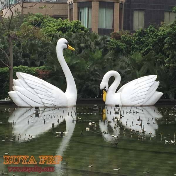 Swan sculpture,animal park decoration