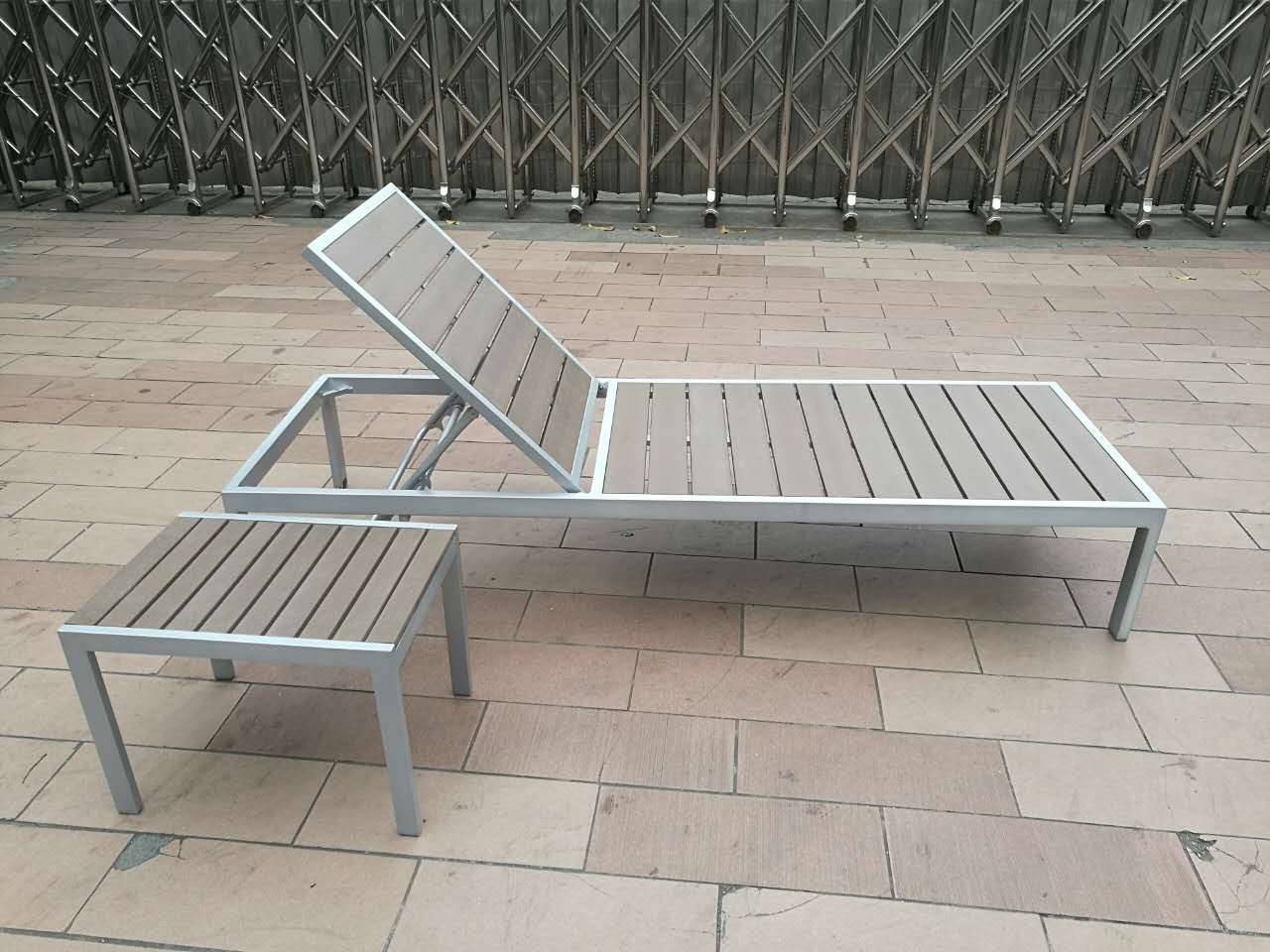 Outdoor patio furniture luxury chaise lounge