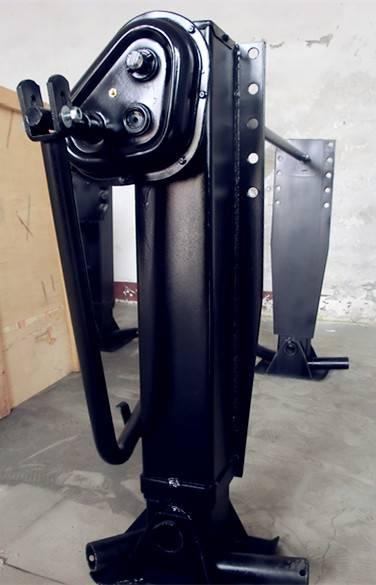 28T outboard landing gear support leg