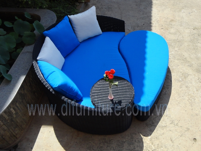 Poly Rattan Lounge Chair