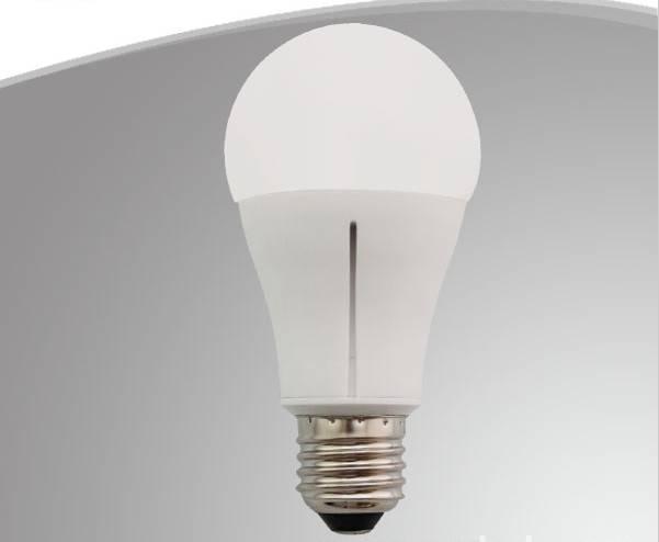 Ceramic A60. LED Bulb light. 10.5W