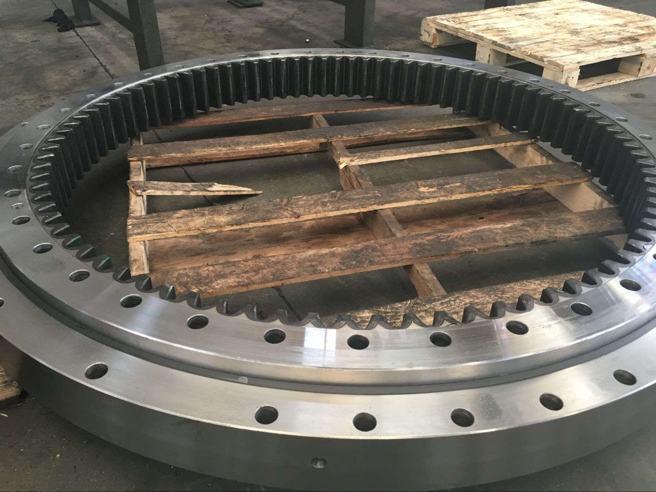 CX290B slewing bearing, Case290B slewing ring package, Case excavator swing gear