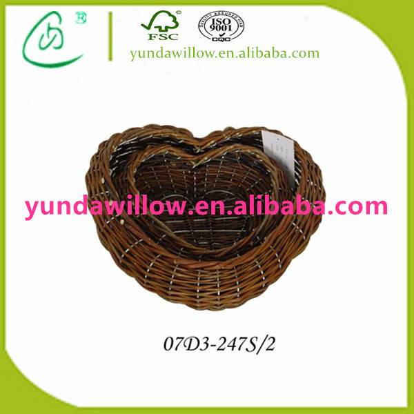 Woven Cheap Wicker Heart Shaped Hanging Basket Flower Pot in Bulk