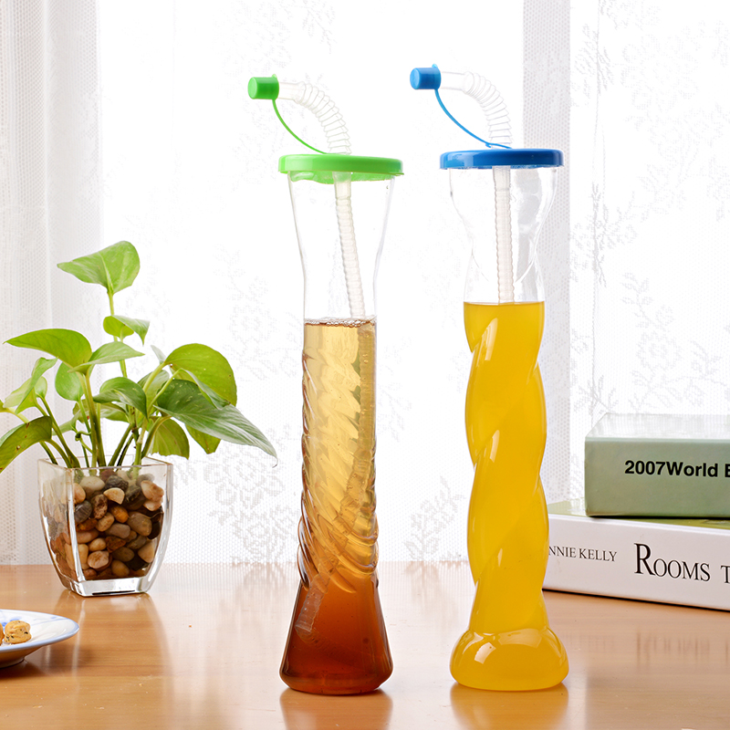 hot sales creative PE plastic beverage bottle with straw (1093)