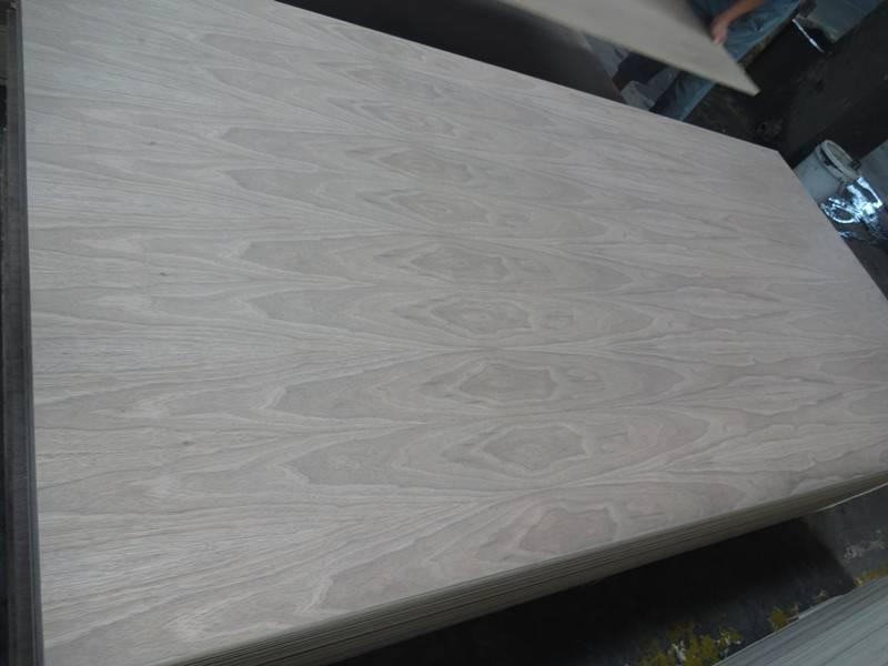 Black Walnut Veneered Plywood/MDF