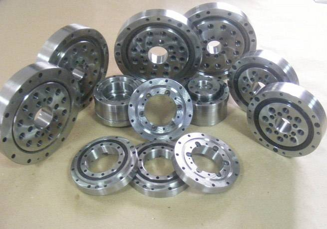 Crossed Cylindrical Roller Bearing - RA Series