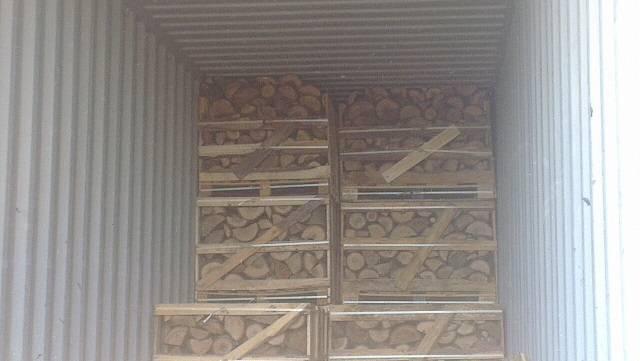 KILN DRIED BEECH OAK ASH HORNBEAM HARDWOOD FIREWOOD ON PALLET BOXES 1 M3 , 1.5 M3 , 2 M3