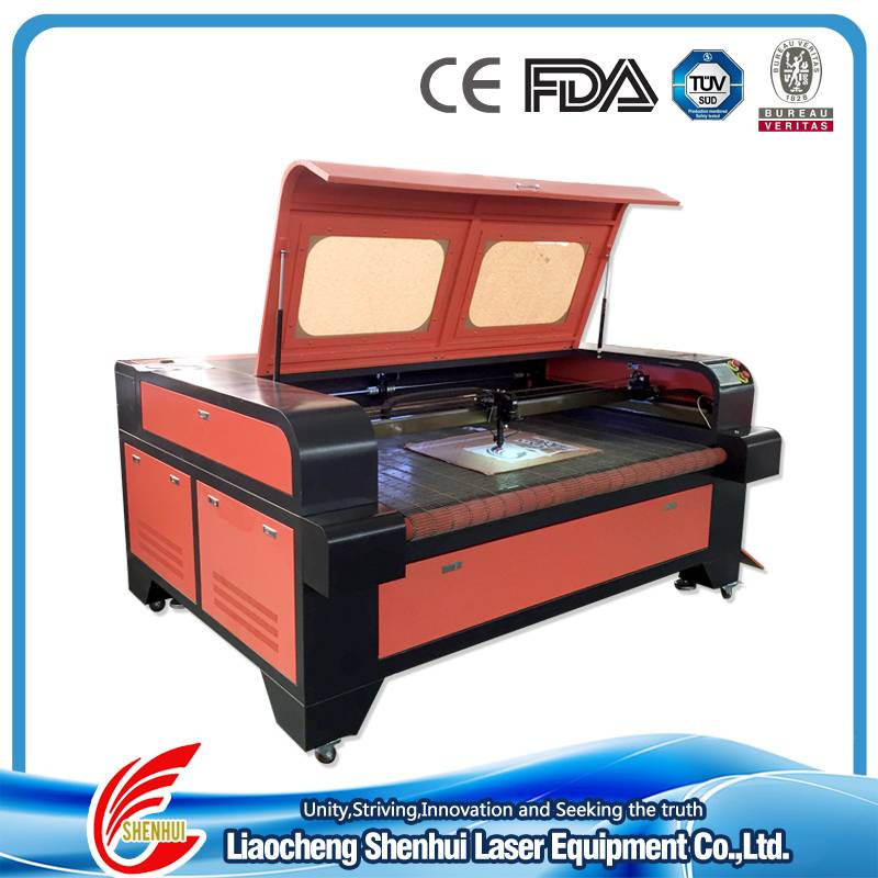 Automatic Feeding Fabric Laser Cutting Machine