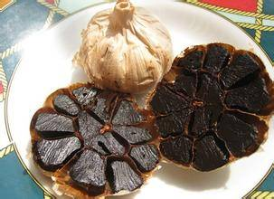 Fermented black garlic extract