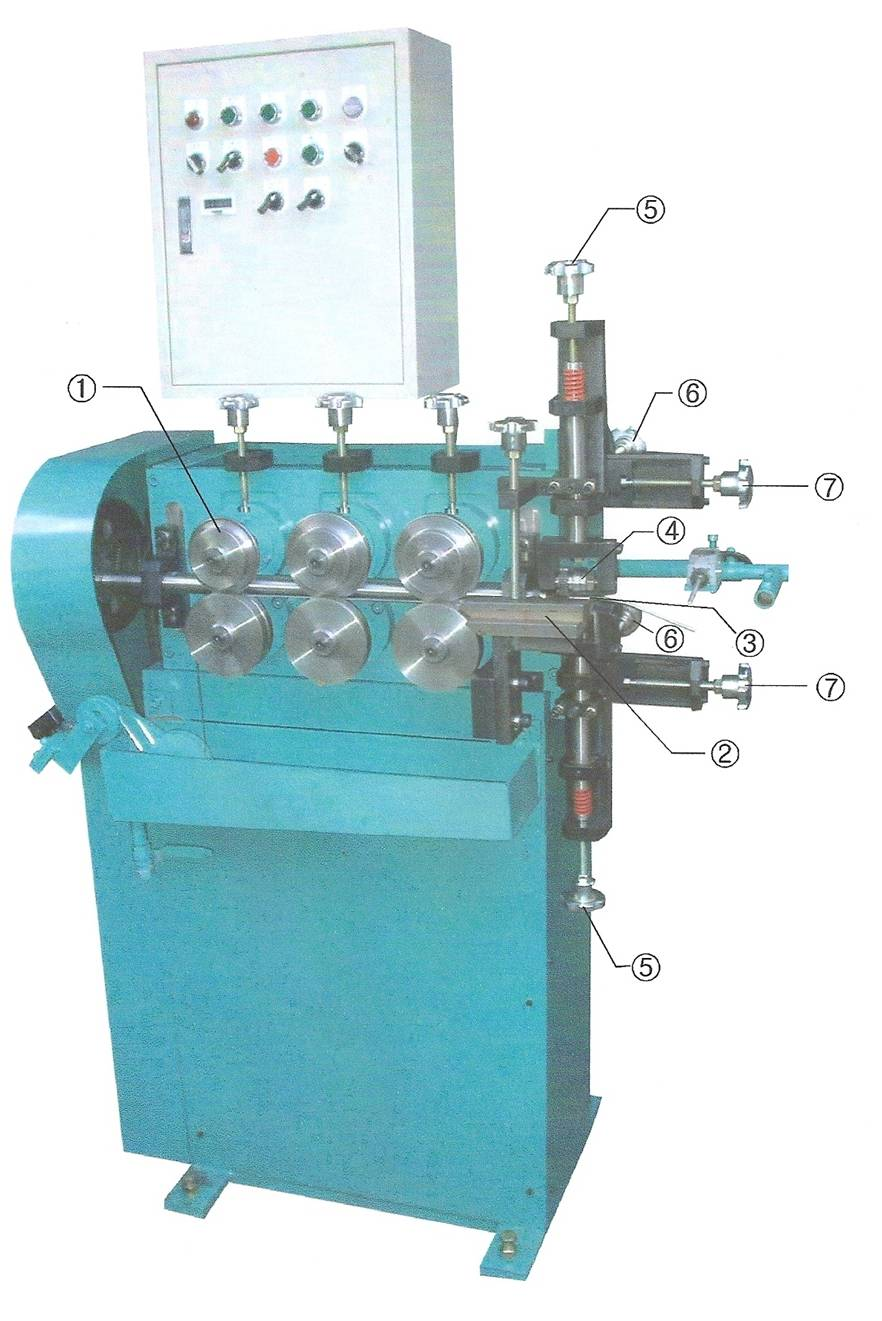 Conduit hose manufacturing machine