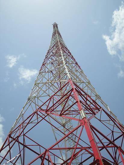 100 meters telecommunication lattice steel tower