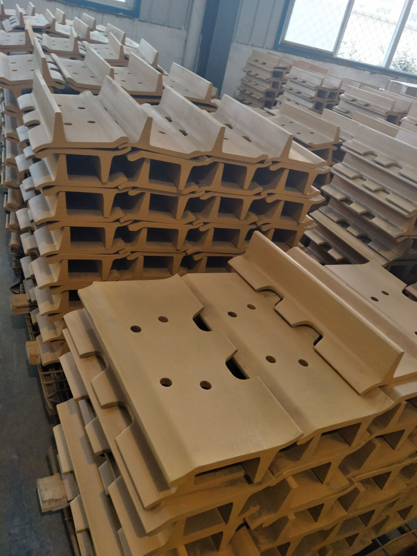 Grader Track Plate Assembly from Direct Factory