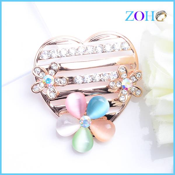 New design lovely heart shape brooches jewlelry with clear stone gifts for lover