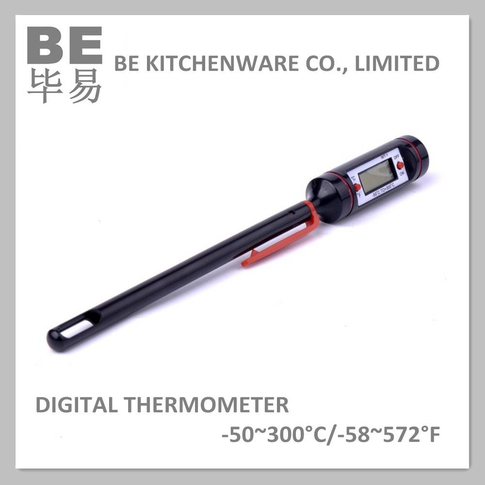Temperature measuring digital thermometer with sensor and probe