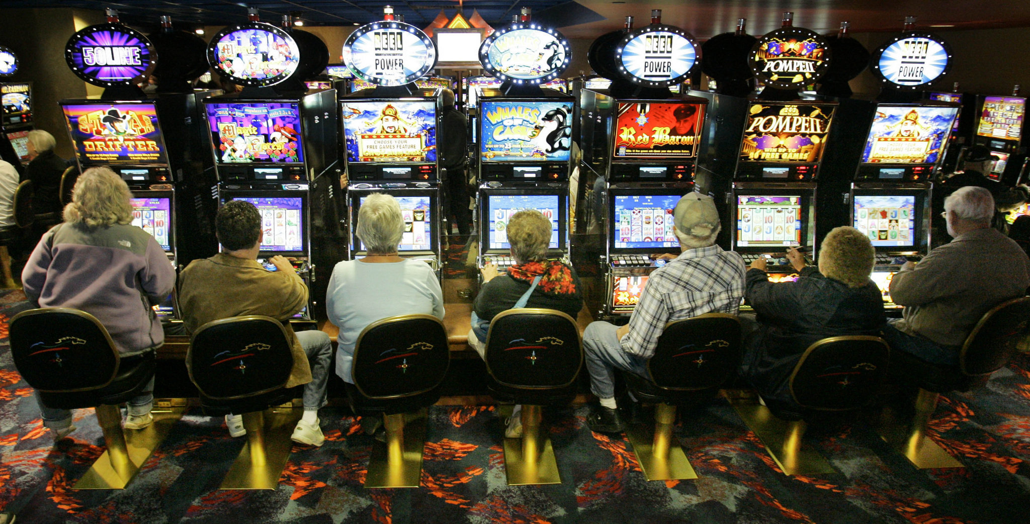 Slot machine stand for gaming industry