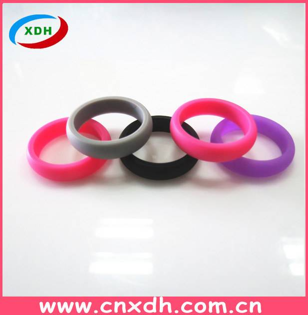 Latest design High Quality Silicone fashion finger Wedding Ring For Sportsman and Workers
