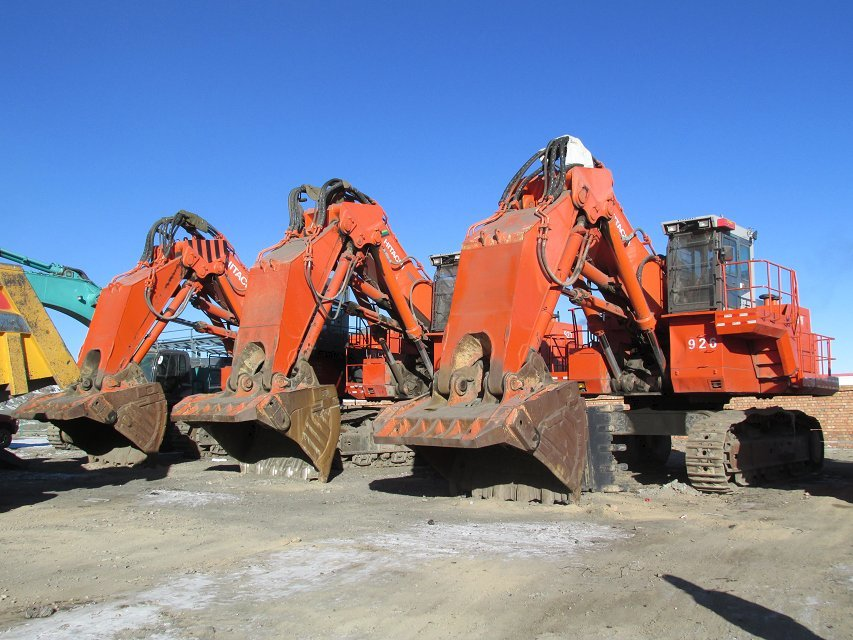 Hitachi EX1200 tracked excavator for sale, EX200 EX120 EX160 also available