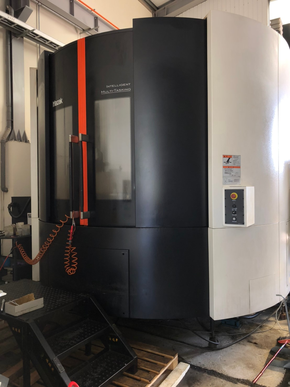 MAZAK E1060V8 CNC 5 AXES MACHINING CENTER