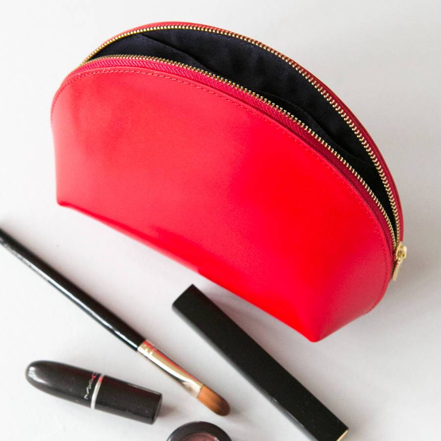 Makeup used leather cosmetic bag