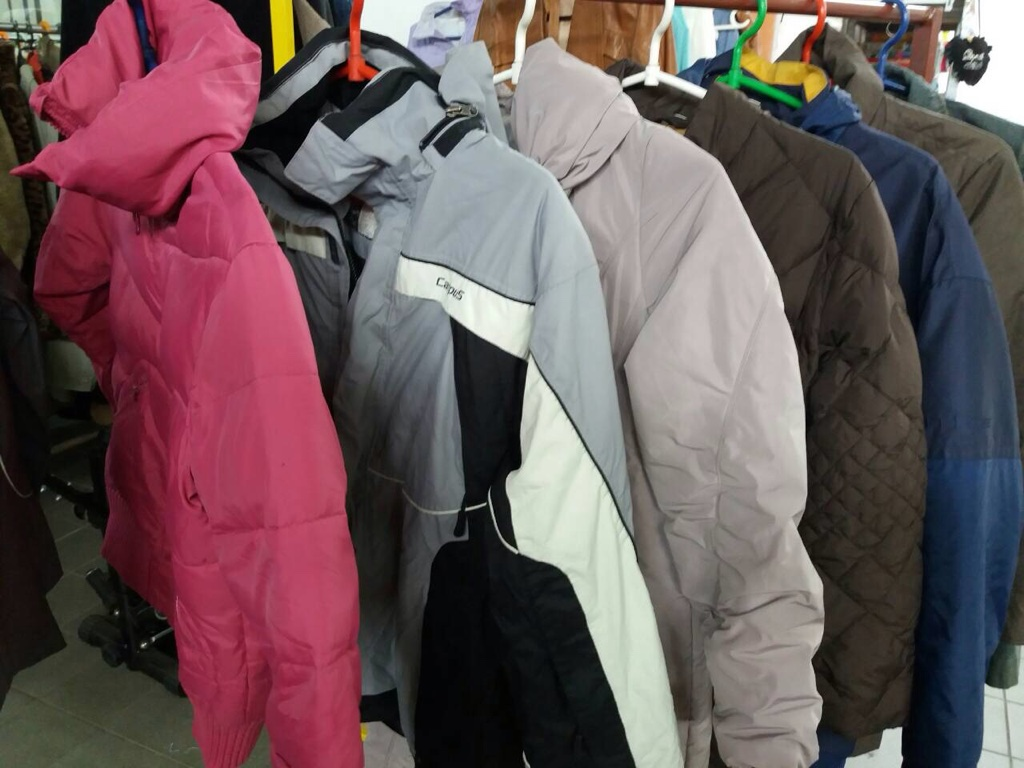Used Coats and Jackets in giant bales 0,5 euro kg