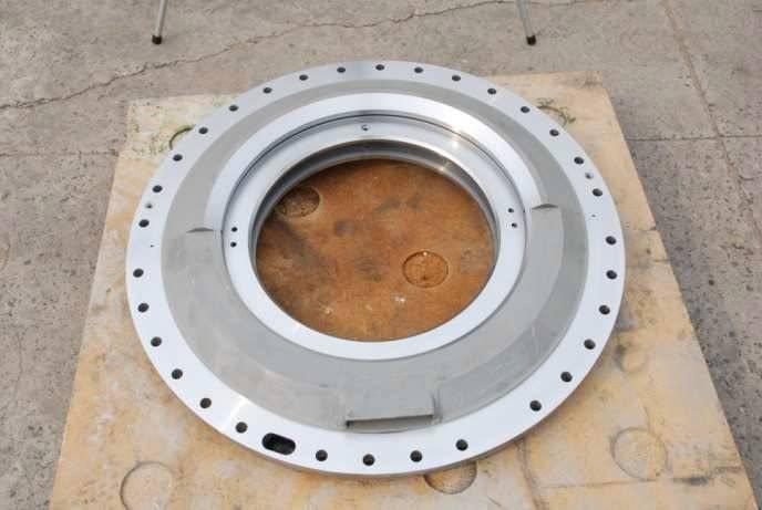 Hydrogen seal casing