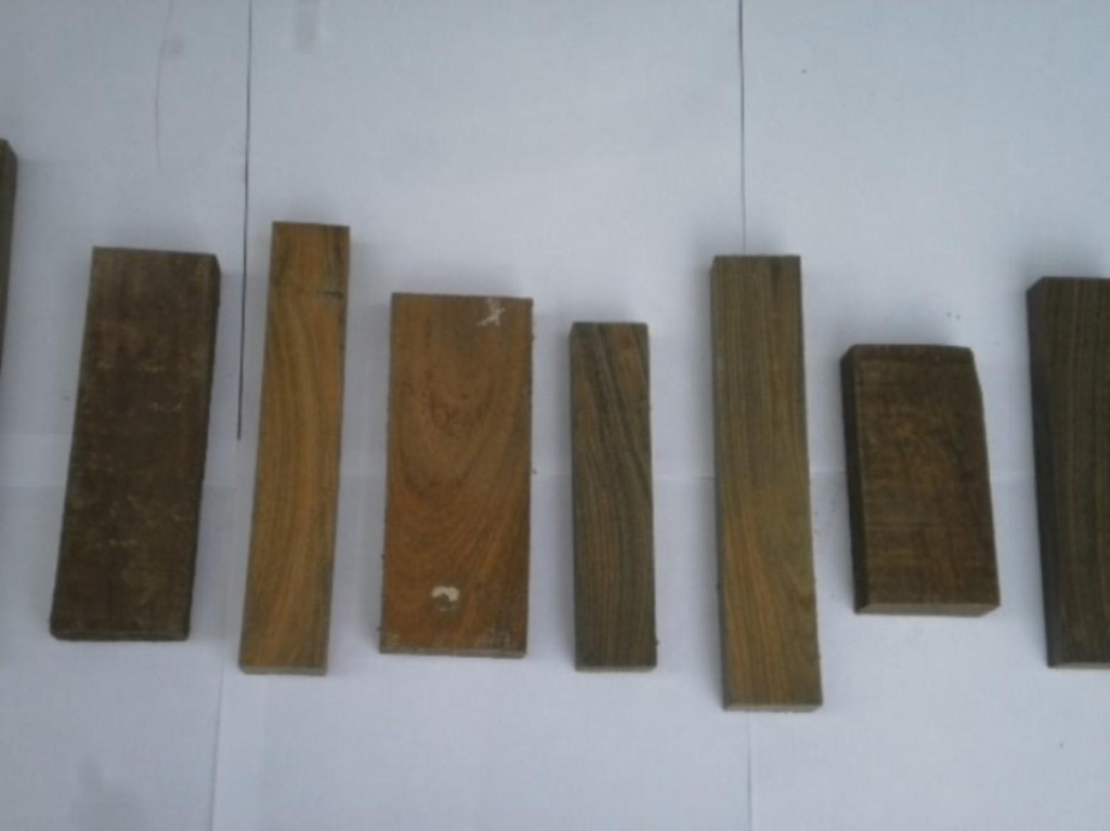 Palo Santo / Lignum vitae on Lumber to produce handicraft