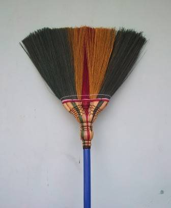 B2-Color Grass Broom