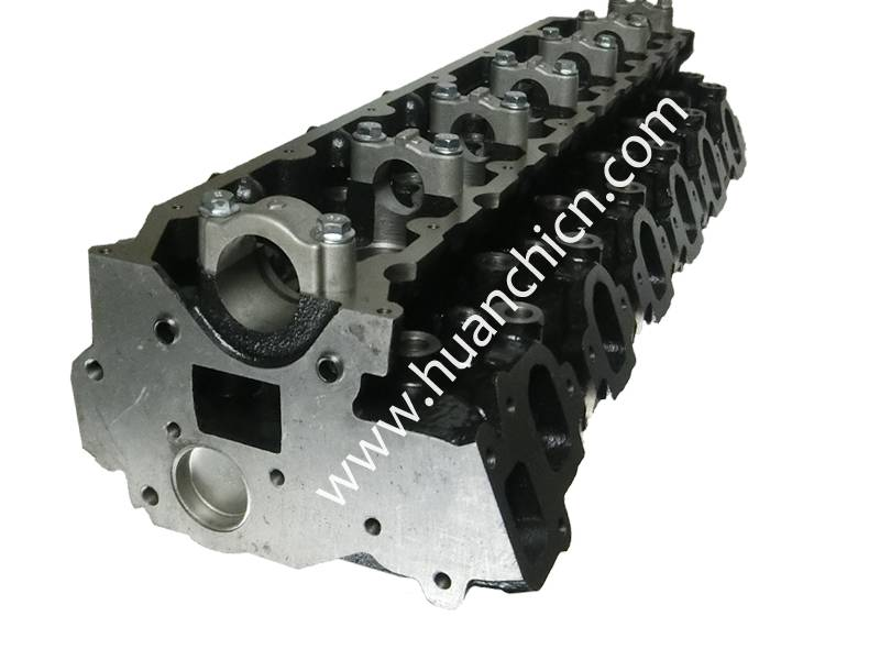 Hot selling engine cylinder head for toyota 1HZ