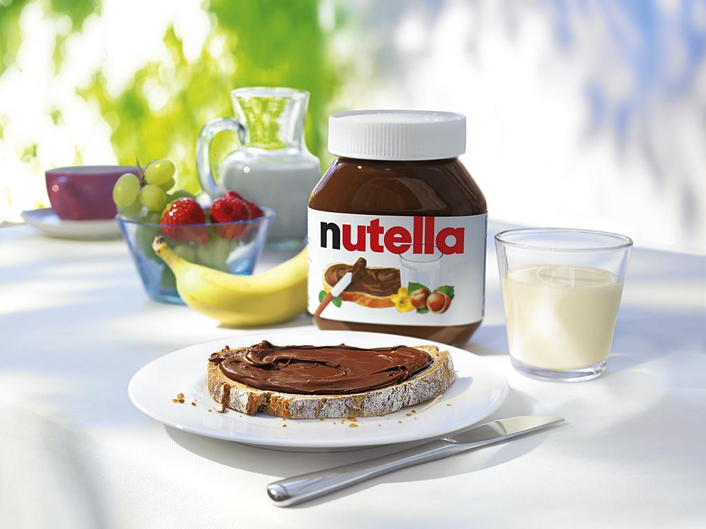 Ferrero Nutella Chocolate Spread in jars 450g, 750,