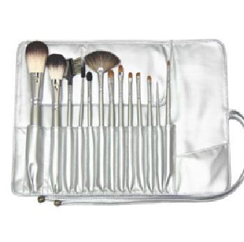 Silver Brush Bag Kit