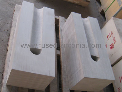 High zirconia fused cast blocks