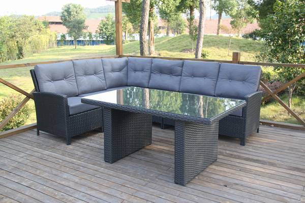 Indoor/outdoor sofa table sets