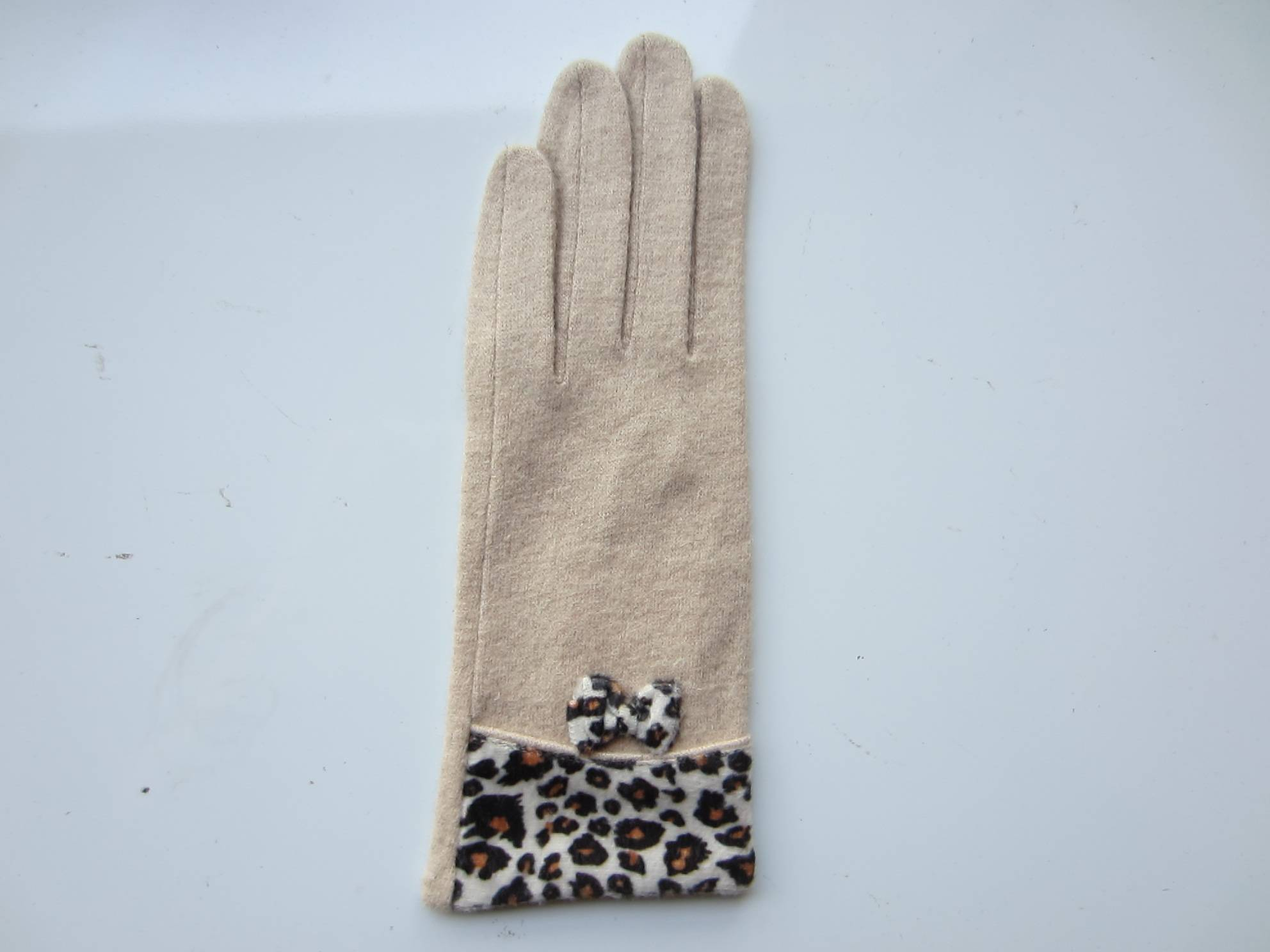 wool and nylon gloves