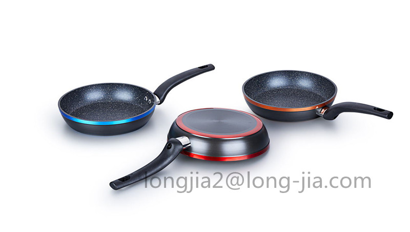 20cm hard-anodized forged fry pan with colorful rim
